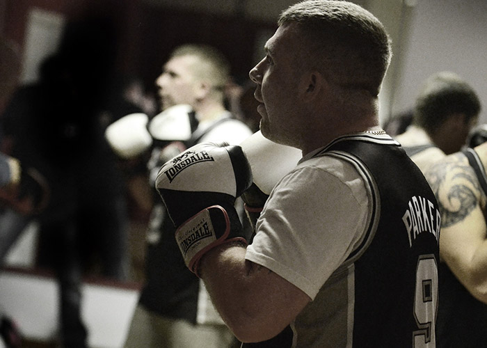 02-man-boxing