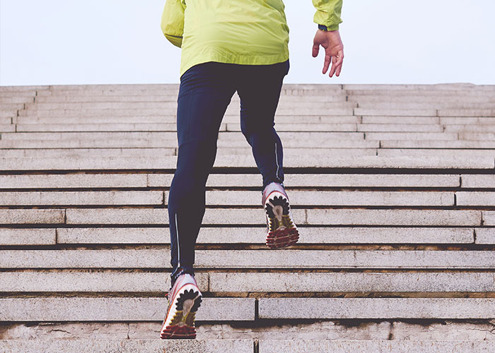 Running which works through heart rate zones